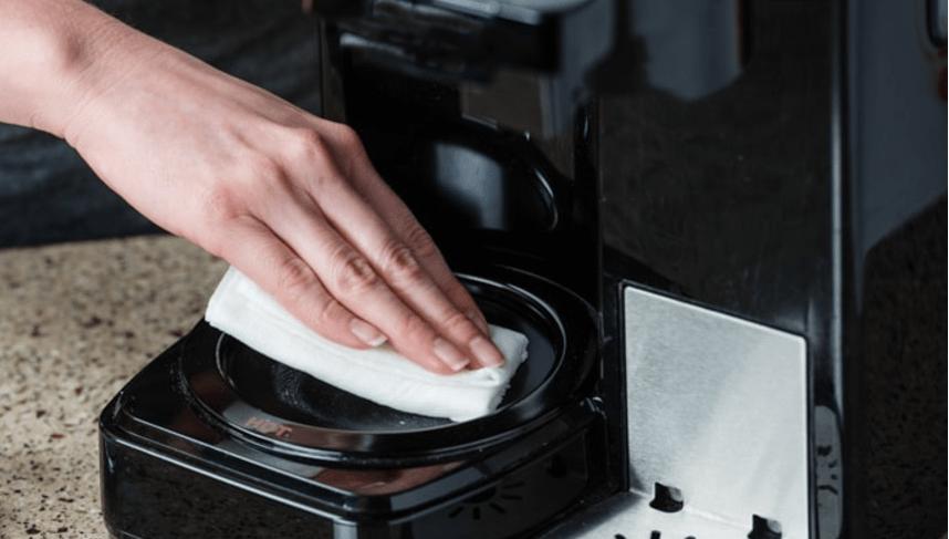 manutenzione macchina da caffè - pulizia