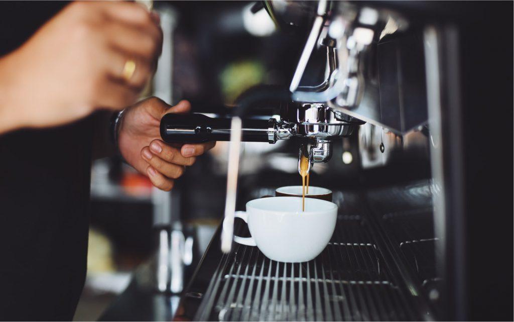 macchina caffè a leva per bar
