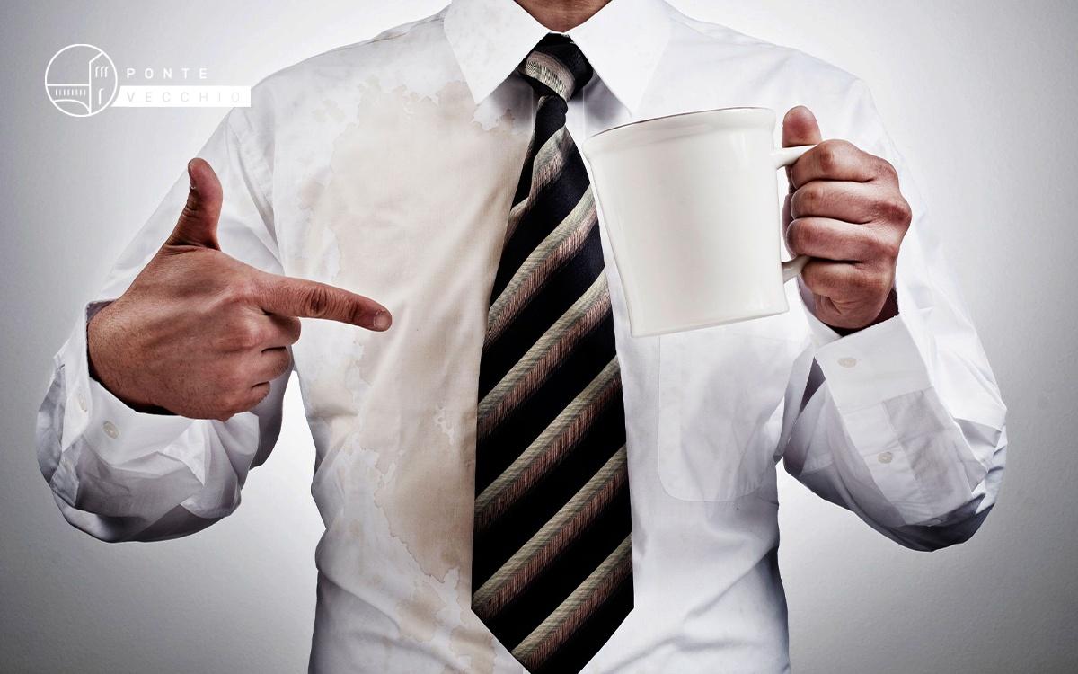 rimuovere macchie caffè tazzine