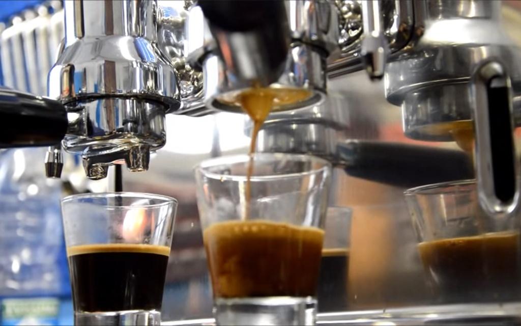 industrial machine coffee preparation