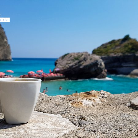 foto caffè al mare